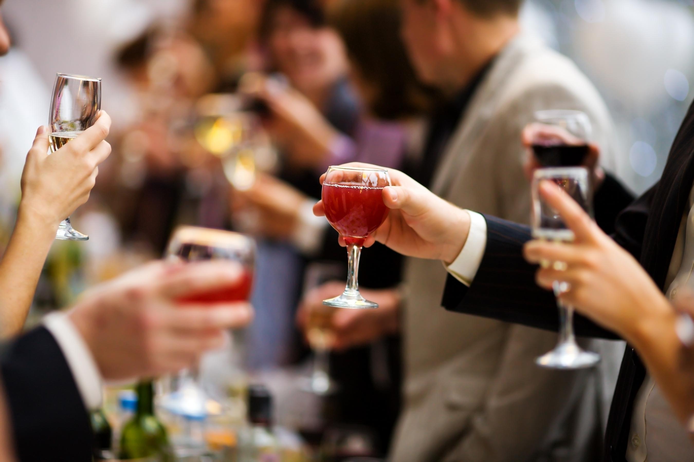 Выпьем за поздравления от гостей