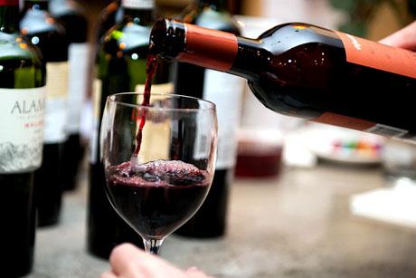 С друзьями надо пить те вина, которые настроены к вам по-дружески.